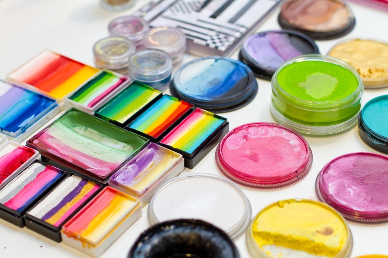 Sets of colorful face paints